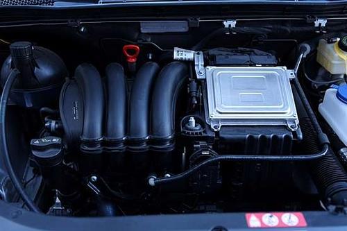 与奔驰品牌的其它车型相似,b200的autotronic无级变速箱同样提供了