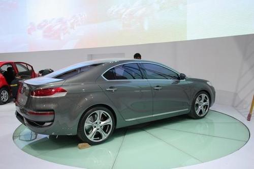 长安CD101玩动感设计 中高级车雏形显现高清图片