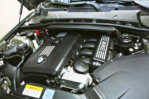 宝马325i发动机