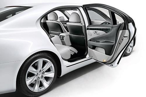 法兰克福车展:新款雷克萨斯LS600h发布