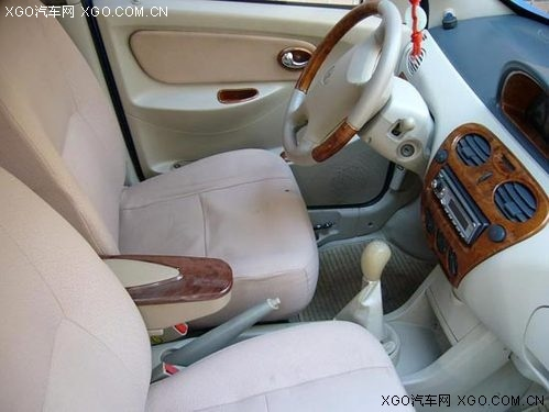 款发动机配合5速手动   变速箱   ,让哈飞路宝曾经获得高清图片
