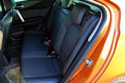 舒适?安全? 8款紧凑型车后排头枕介绍