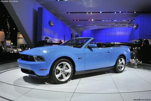 动力提升明显 2011款福特野马车展亮相