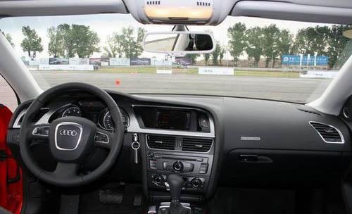 公路行驶更稳定 三款全时四驱运动轿车