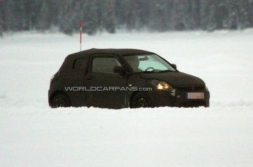 或推全驱车型 2011款雨燕三门版谍照!