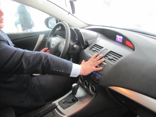 进口Mazda3两厢 武汉银马4S店到店实拍