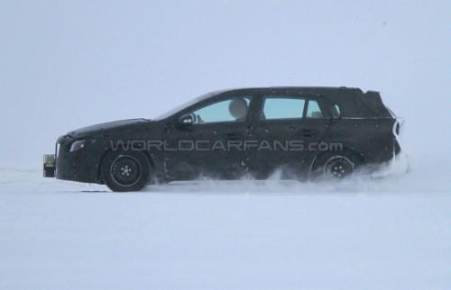 巴黎车展发布 沃尔沃V60高寒测试谍照