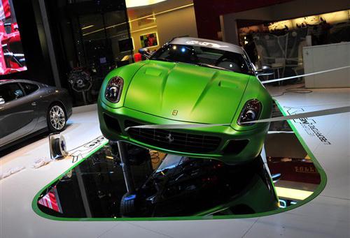 绿色一样拉风 法拉利599混动力车曝光
