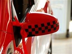乐风的两厢车型 实拍乐骋红与黑限量版