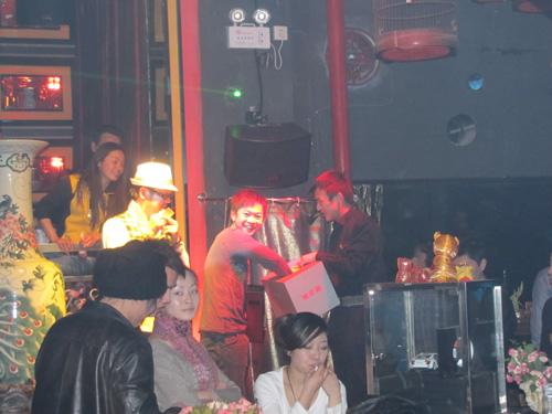 激情之夜 奥迪TT跑车相约F1音乐酒吧