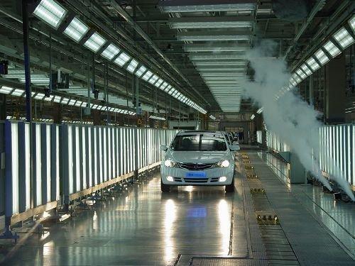 自主品牌A级车型基地建成 荣威350下线