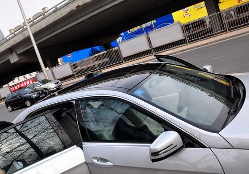 北京奔驰E300L 国产加长新奔驰E谍照!