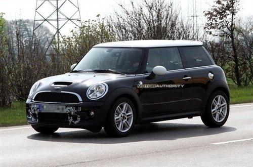 巴黎车展发布 改款MINI两款车型谍照