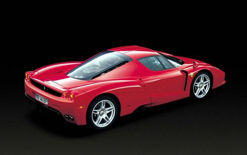 采用V8发动机 新法拉利ENZO于后年推出