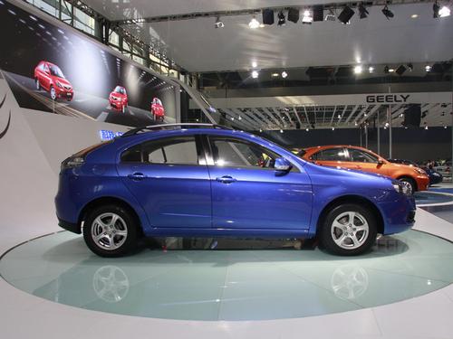 志翔两厢版本 长安CX30将于6月份上市