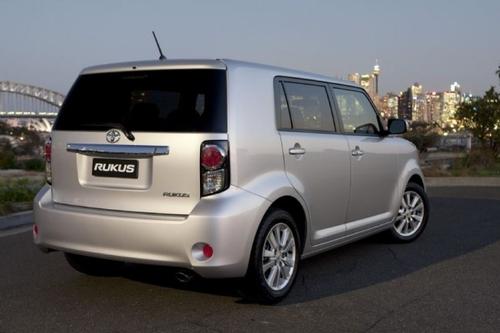 配RAV4发动机 丰田Rukus售约15.8万起