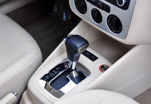首选1.4自动舒适型 2011款宝来全系推荐