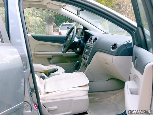 势头正旺 长安福特三厢福克斯1.8AT实拍全文 福特 汽车点评高清图片