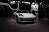 Panamera S Hybrid 再度亮相广州车展