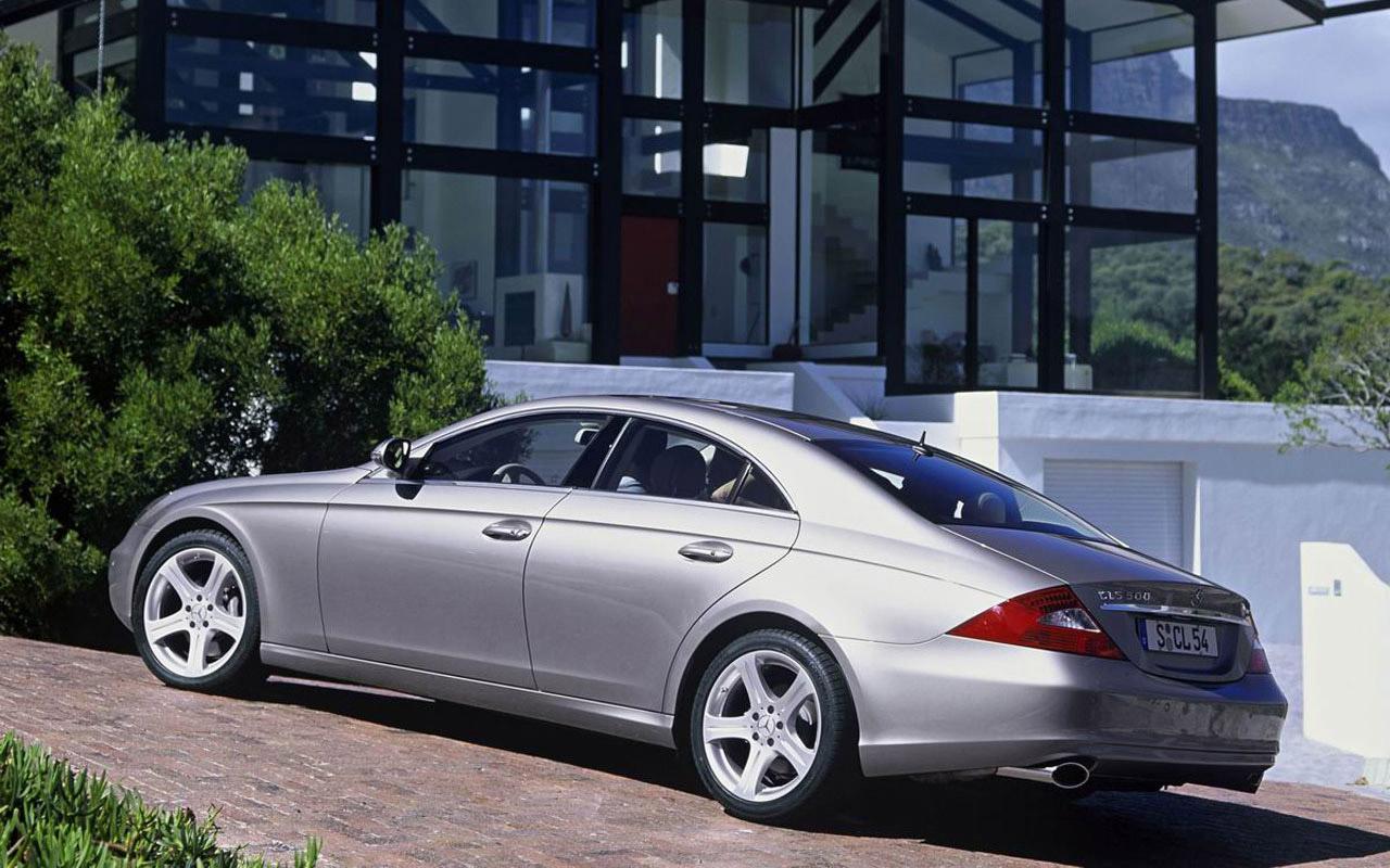 奔驰两款跑车大幅优惠 cls350售98万元
