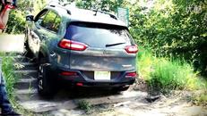 Jeep自由光海外试驾