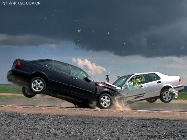 由于小重叠率碰撞的高危险性,欧美许多国家也开始针对此项汽车安全