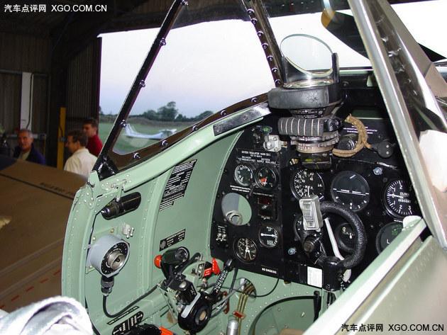 """△""""飓风""""战斗机的驾驶舱绿色"""