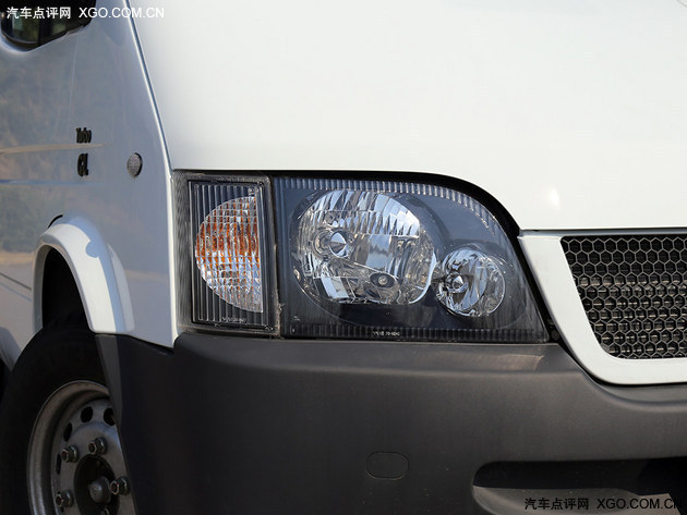 实用就是王道 福特全顺对比上汽大通V80
