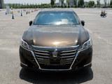 一汽丰田全新皇冠2.0T上市 售26.48万起