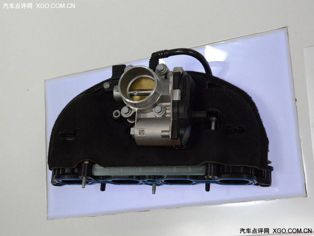GE工厂 剖析荣威360发动机高清图片
