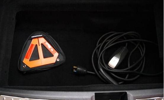 刨根究底 特斯拉车主亲手测试电池安全
