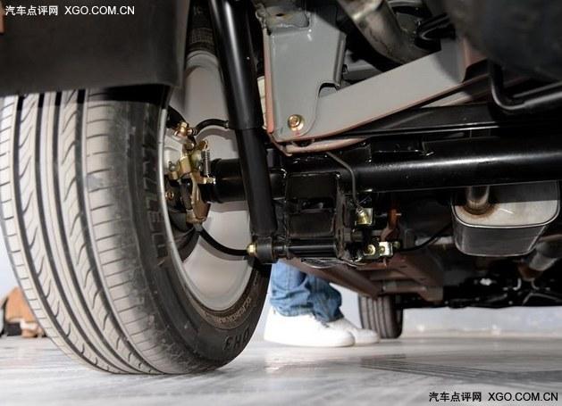 五连杆螺旋弹簧非独立悬架  代表车型  金杯750-买车必看 来聊聊底盘和