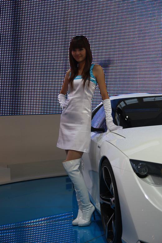 长靴车模白色长筒靴美女丰田车模白色长靴车模  竖