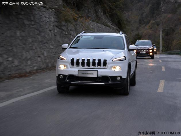 中式汉堡 国产Jeep自由光试驾高清图片