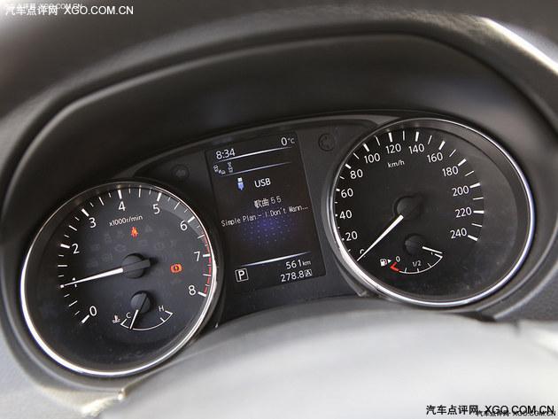 大众网-汽车频道 日产逍客对比本田缤智  △ 缤智的仪表盘采用了三