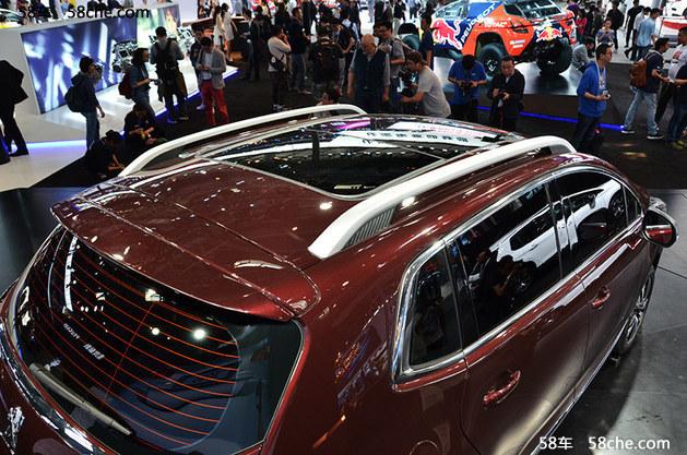 2016北京车展 狮爪式LED尾灯上身新3008