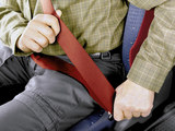 车闻周道 后排不系安全带也要被处罚?