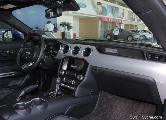 福特新款Mustang上市 售39.98-40.58万