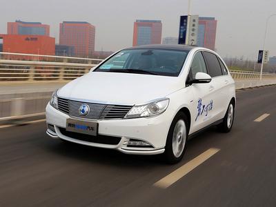 腾势400纯电动汽车试驾 续航里程再升级