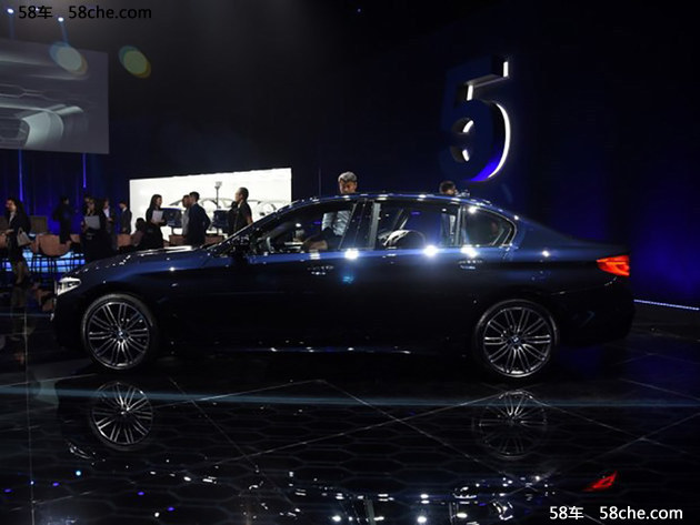 2017上海车展 全新宝马5系正式发布亮相