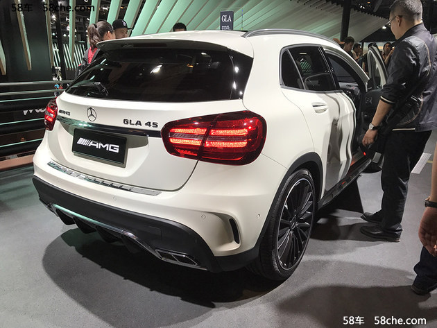 2017上海车展 AMG GLA45 4MATIC新款亮相