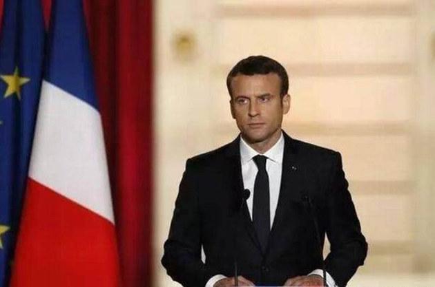 法国总统马克龙最新座驾 DS7敞篷版登场