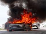 新一代奥迪A7路试中着火 直至完全烧毁