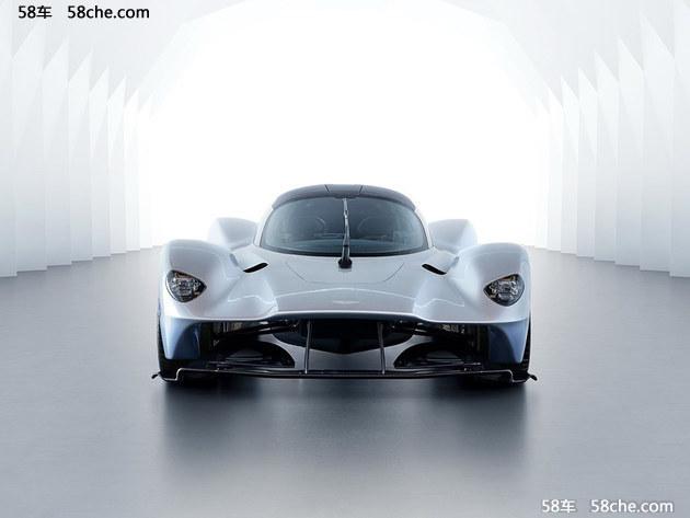 阿斯顿・马丁Valkyrie准量产版相比此前发布的AM-RB 001原型车采用了更多量产化设计,官方公布说本次发布的准量产版外观设计已达到量产化的95%。