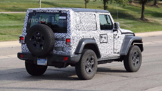 Jeep新牧马人软顶版谍照曝光 年底亮相