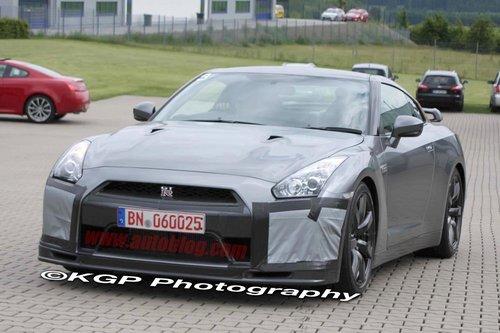 今年秋季登场 新款日产GT-R路试照曝光