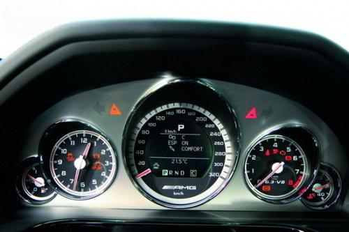 动力新组合 试驾梅赛德斯-奔驰E63 AMG