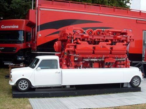 配备V18发动机 3500马力MINI国外亮相