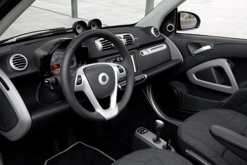 巴黎车展亮相 2011款Smart ForTwo发布