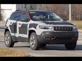 Jeep全新自由光测试谍照 或明年初亮相